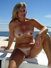 Amateur cougar filmed herself..